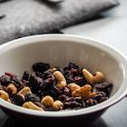 trail mix low calorie snack